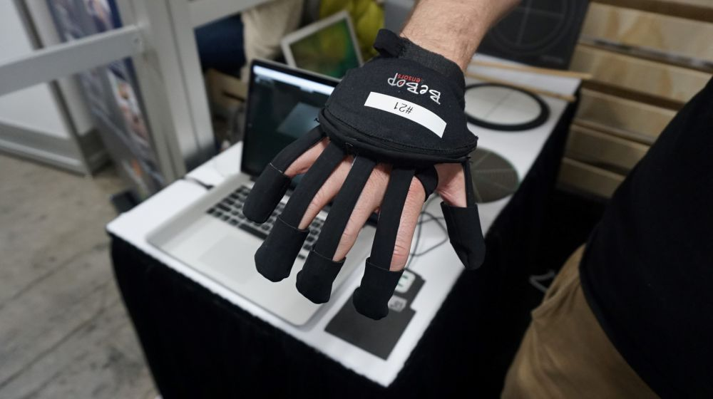 Bebop Sensors' Gloves at CES 2018