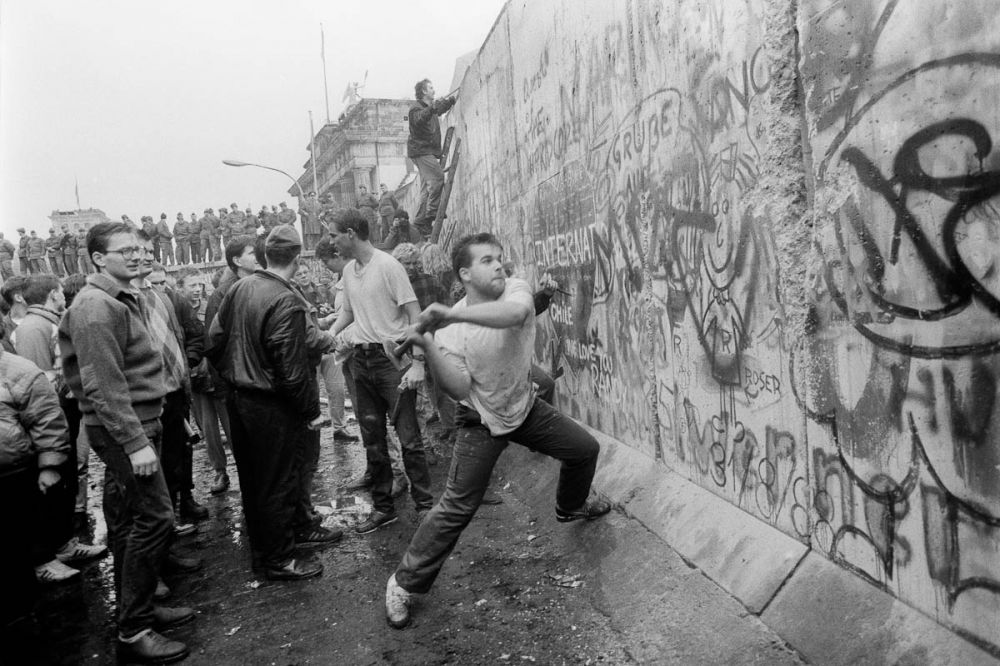Taking down the Berlin Wall