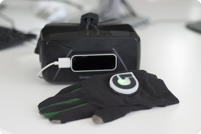 Gloveone with Leap Motion